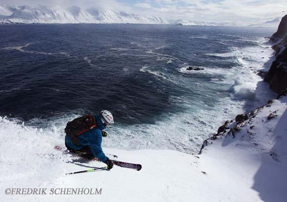 Skiing to the ocean on the Troll Peninsula Iceland. Photo: Fredrik Schenholm